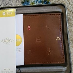 NWTS FOSSIL LEATHER WALLET BIFOLD